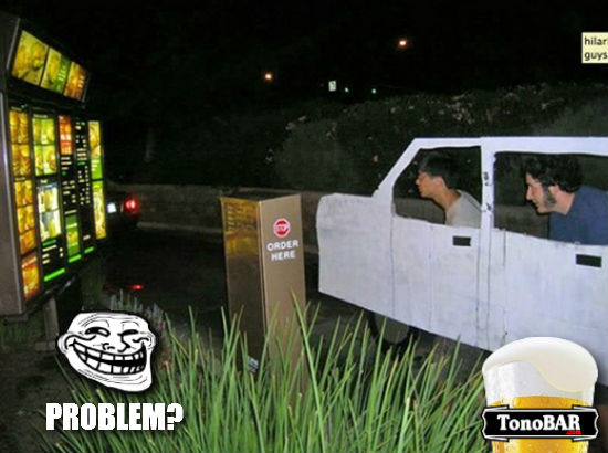 troll. drive thru papelo mc donalds fila fake carro  troll 2  Opa, a fila do Drive Thru t bem menor, mas eu no tenho carro! E agora?